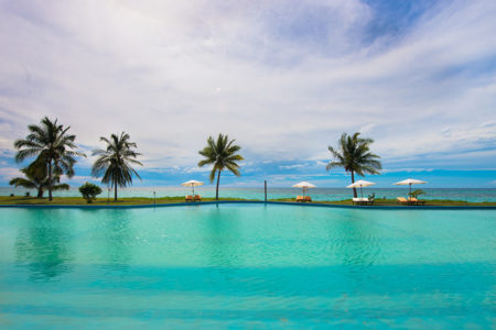 Immense piscine Nosy Saba