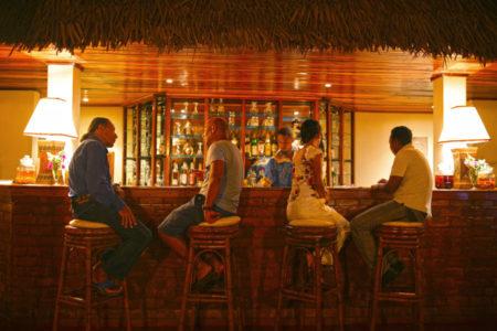 Bar et restaurant à Nosy Saba